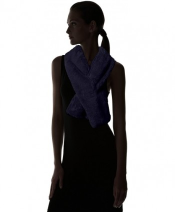 Fiorentina Womens Plush Collar Pull Through in Cold Weather Scarves & Wraps
